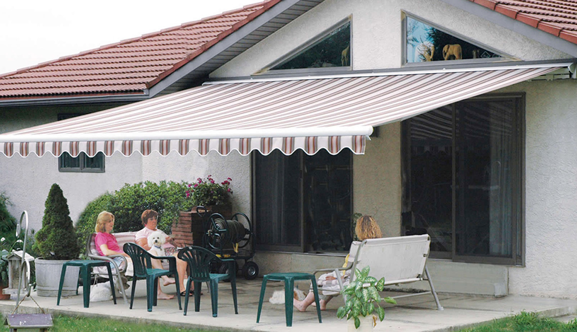 Retractable Awnings 7